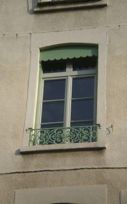 Fenêtre avec petits bois collés
