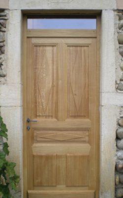 porte d'entrée bois impose
