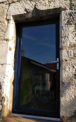 porte d'entrée vitrage plein