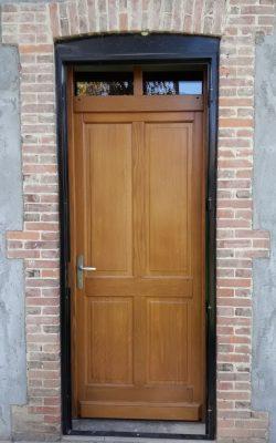 porte entree bois impose